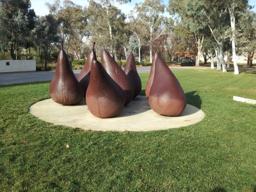 Pears outside the National gallery