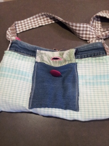 I lined the inside with a teatowel and made an internal pocket..this is inside out