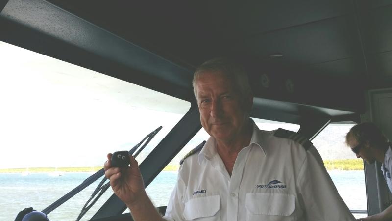 Bashful thanks the catamaran pilot for a great day!