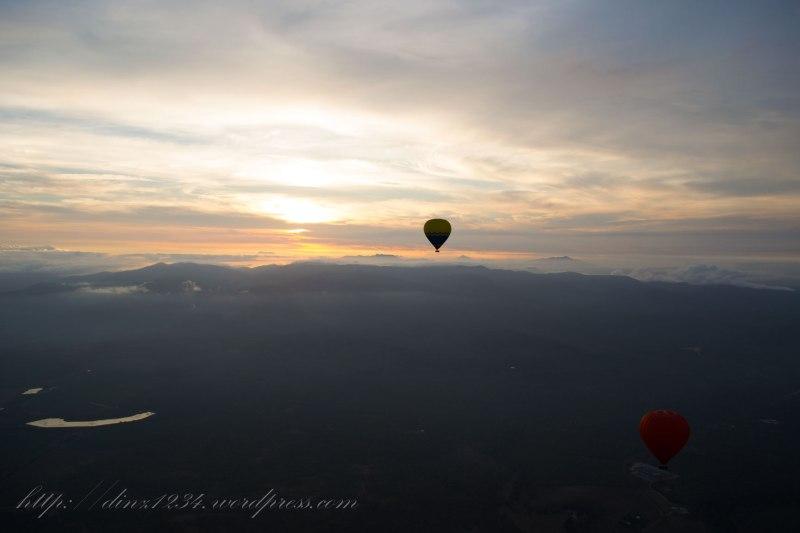 Two-lone-balloonsjpg